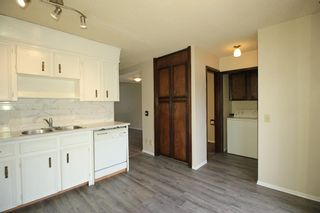 Photo 12: 38 EDGEDALE Court NW in Calgary: Edgemont Semi Detached for sale : MLS®# A1141906