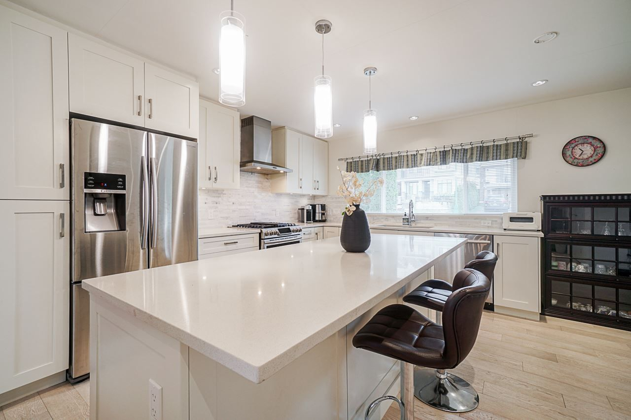 Main Photo: 1056 DANSEY Avenue in Coquitlam: Central Coquitlam House for sale : MLS®# R2559312