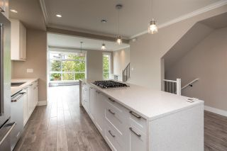 """Photo 4: 94 16488 64 Avenue in Surrey: Cloverdale BC Townhouse for sale in """"Harvest"""" (Cloverdale)  : MLS®# R2576907"""
