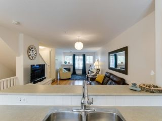 """Photo 7: 25 20761 DUNCAN Way in Langley: Langley City Townhouse for sale in """"WYNDHAM LANE"""" : MLS®# R2390806"""