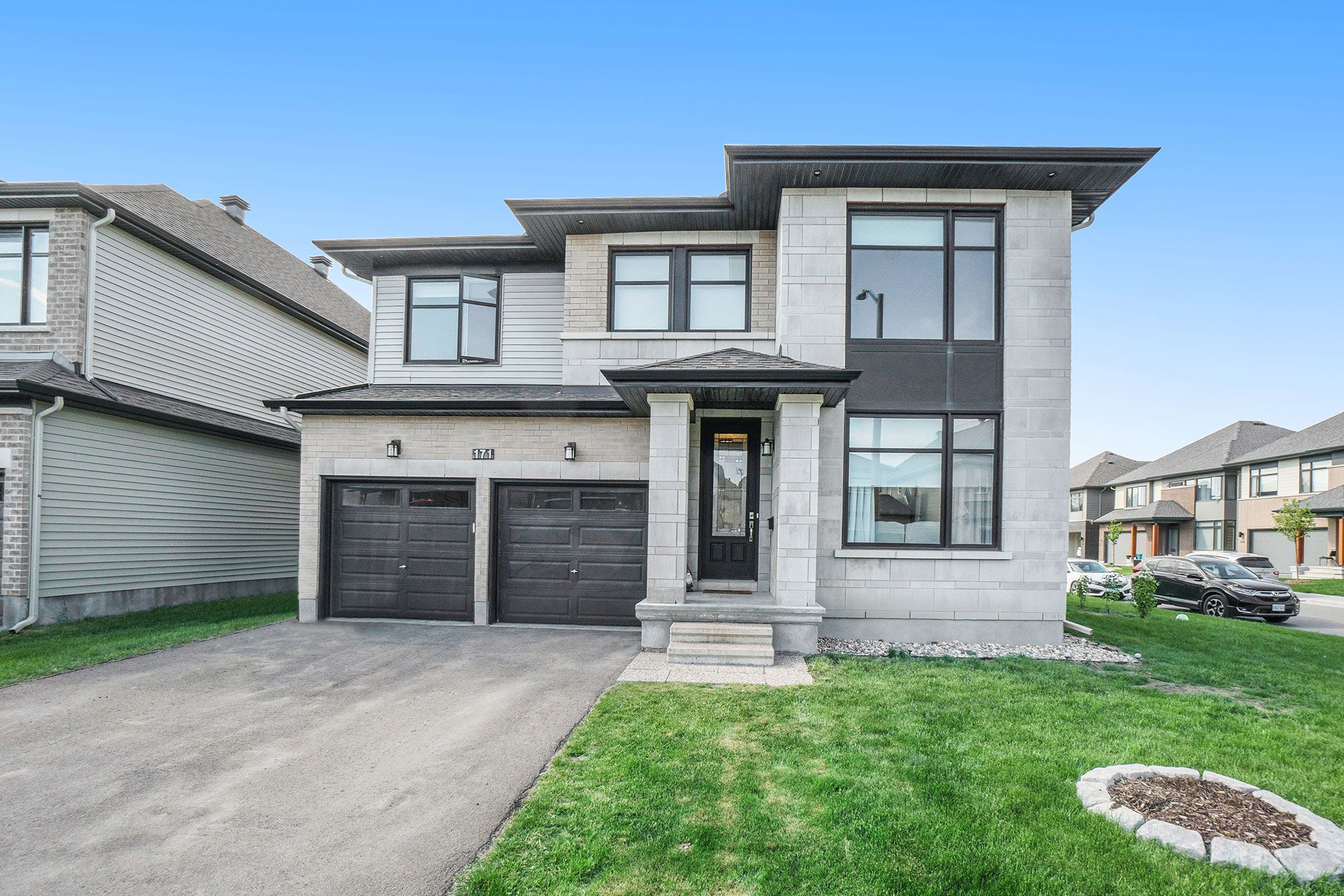 Main Photo: 171 Cambie in Nepean: House for sale : MLS®# 1242668