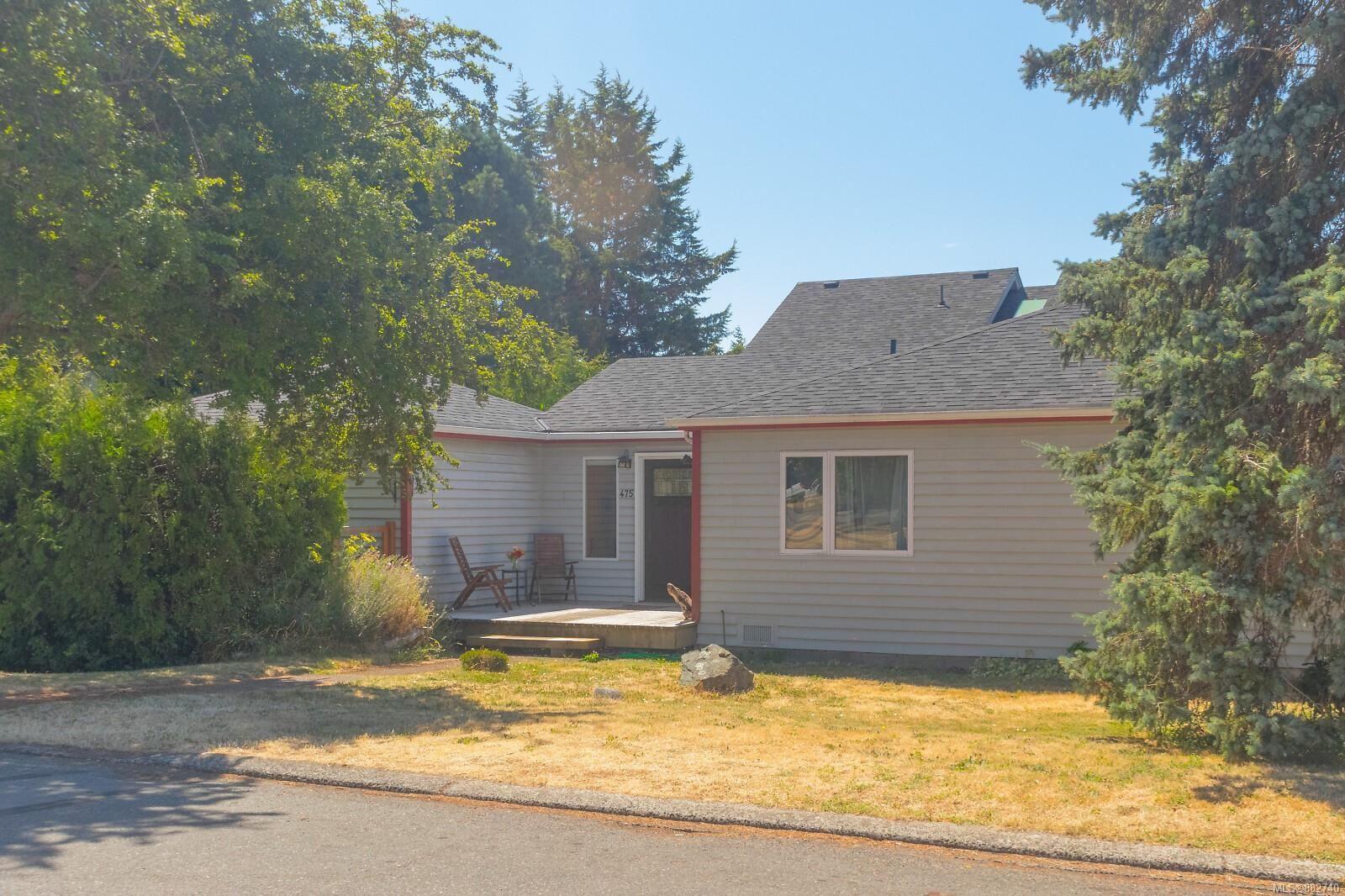 Main Photo: 475 Kinver St in : Es Saxe Point House for sale (Esquimalt)  : MLS®# 882740