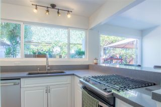 Photo 3: OCEANSIDE Twin-home for sale : 2 bedrooms : 1722 Lemon Heights Drive
