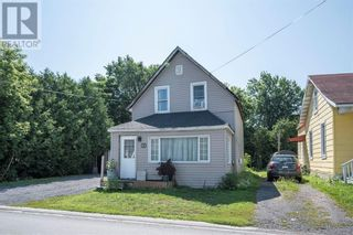 Photo 2: 22 MECHANIC STREET W in Maxville: House for sale : MLS®# 1253500