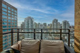 "Photo 9: 2303 788 RICHARDS Street in Vancouver: Downtown VW Condo for sale in ""L'Hermitage"" (Vancouver West)  : MLS®# R2531350"