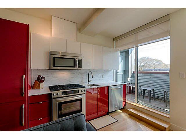 """Photo 9: Photos: 305 2250 COMMERCIAL Drive in Vancouver: Grandview VE Condo for sale in """"THE MARQUEE ON THE DRIVE"""" (Vancouver East)  : MLS®# V1109784"""