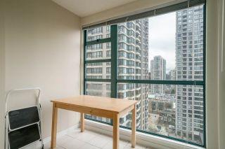 "Photo 9: 1606 939 HOMER Street in Vancouver: Yaletown Condo for sale in ""PINNACLE"" (Vancouver West)  : MLS®# R2253359"