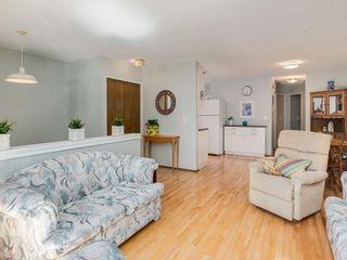 Photo 5: 20 FALCONRIDGE Place NE in Calgary: Falconridge Semi Detached for sale : MLS®# C4302854