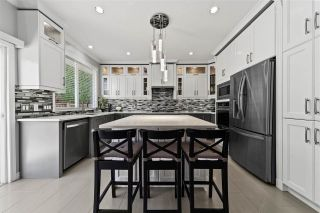 """Photo 9: 14636 76 Avenue in Surrey: East Newton House for sale in """"Chimney Hill"""" : MLS®# R2485483"""
