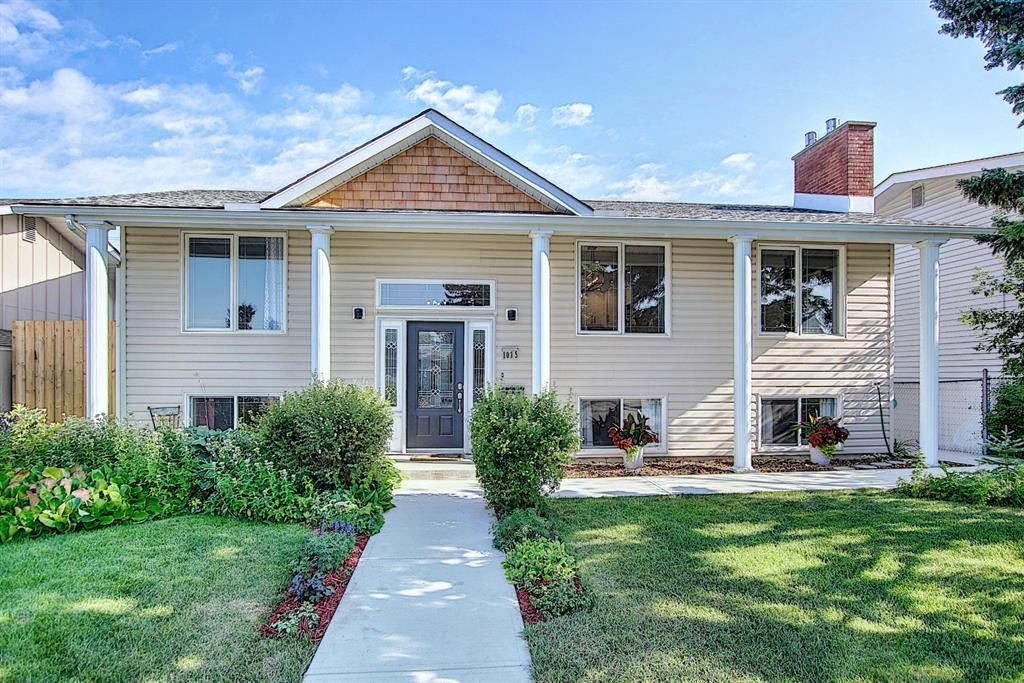 Beautifully upgraded four bedroom home!