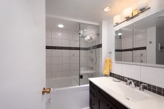 """Photo 13: 501 1960 ROBSON Street in Vancouver: West End VW Condo for sale in """"Lagoon Terrace"""" (Vancouver West)  : MLS®# R2528617"""