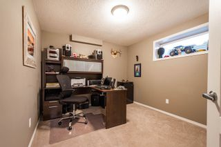 Photo 18: 124 CASTLE Drive in Edmonton: Zone 27 House Half Duplex for sale : MLS®# E4260271