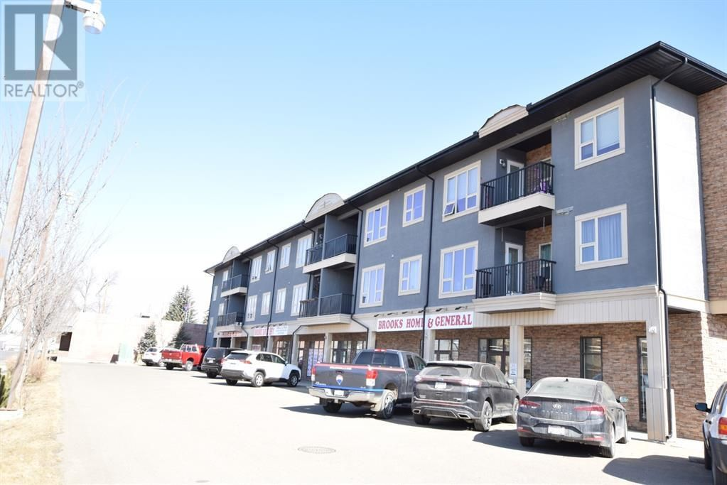 Main Photo: 17, 330 2 Street W in Brooks: Condo for sale : MLS®# A1096698