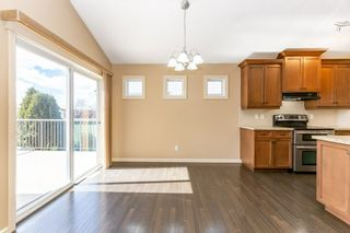 Photo 13: 918 CHAHLEY Crescent in Edmonton: Zone 20 House for sale : MLS®# E4237518