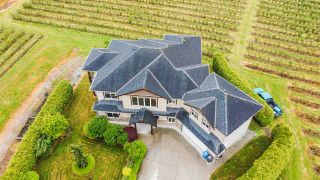 """Photo 2: 6277 BELL Road in Abbotsford: Matsqui House for sale in """"MATSQUI LOWLANDS"""" : MLS®# R2584532"""