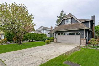 Photo 2: 10519 WOODGLEN Place in Surrey: Fraser Heights House for sale (North Surrey)  : MLS®# R2586813
