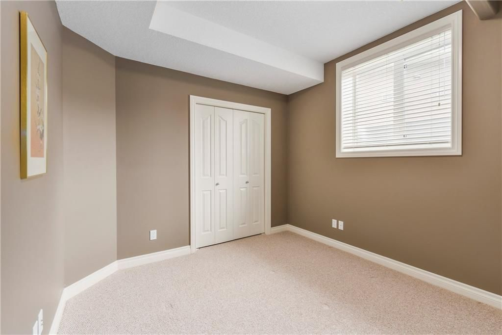Photo 35: Photos: 73 DISCOVERY WOODS Villa SW in Calgary: Discovery Ridge Semi Detached for sale : MLS®# C4218779