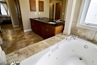 Photo 31: 2803 Terwillegar Wynd in Edmonton: Zone 14 House for sale : MLS®# E4232845