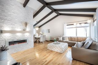 Photo 2: 532 Country Club Boulevard in Winnipeg: Westwood Residential for sale (5G)  : MLS®# 202101583