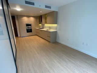 Photo 4: 8F 89 Nelson St. in Vancouver: Yaletown Condo for rent (Vancouver West)