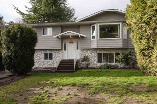 """Photo 1: 5811 ANGUS Place in Surrey: Cloverdale BC House for sale in """"Jersey Hills"""" (Cloverdale)  : MLS®# R2326051"""