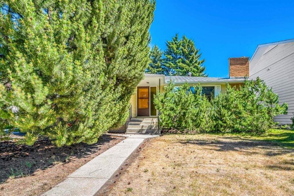 Incredible opportunity to transform this solid 1528 sq ft bungalow.