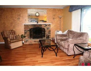 """Photo 5: 35477 STAFFORD Place in Abbotsford: Abbotsford East House for sale in """"DELAIR"""" : MLS®# F2905227"""