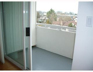 "Photo 3: 504 5926 TISDALL Street in Vancouver: Oakridge VW Condo for sale in ""OAKMONT PLAZA"" (Vancouver West)  : MLS®# V752707"