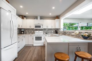 Photo 8: 5771 211 Street in Langley: Salmon River House for sale : MLS®# R2375110