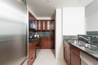 """Photo 15: 807 590 NICOLA Street in Vancouver: Coal Harbour Condo for sale in """"Cascina"""" (Vancouver West)  : MLS®# R2053139"""