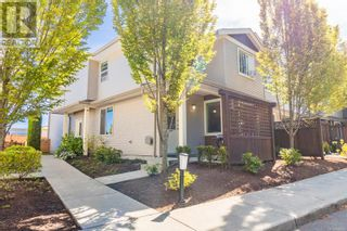 Main Photo: 102 2153 Ridgemont Pl in Nanaimo: House for sale : MLS®# 886321