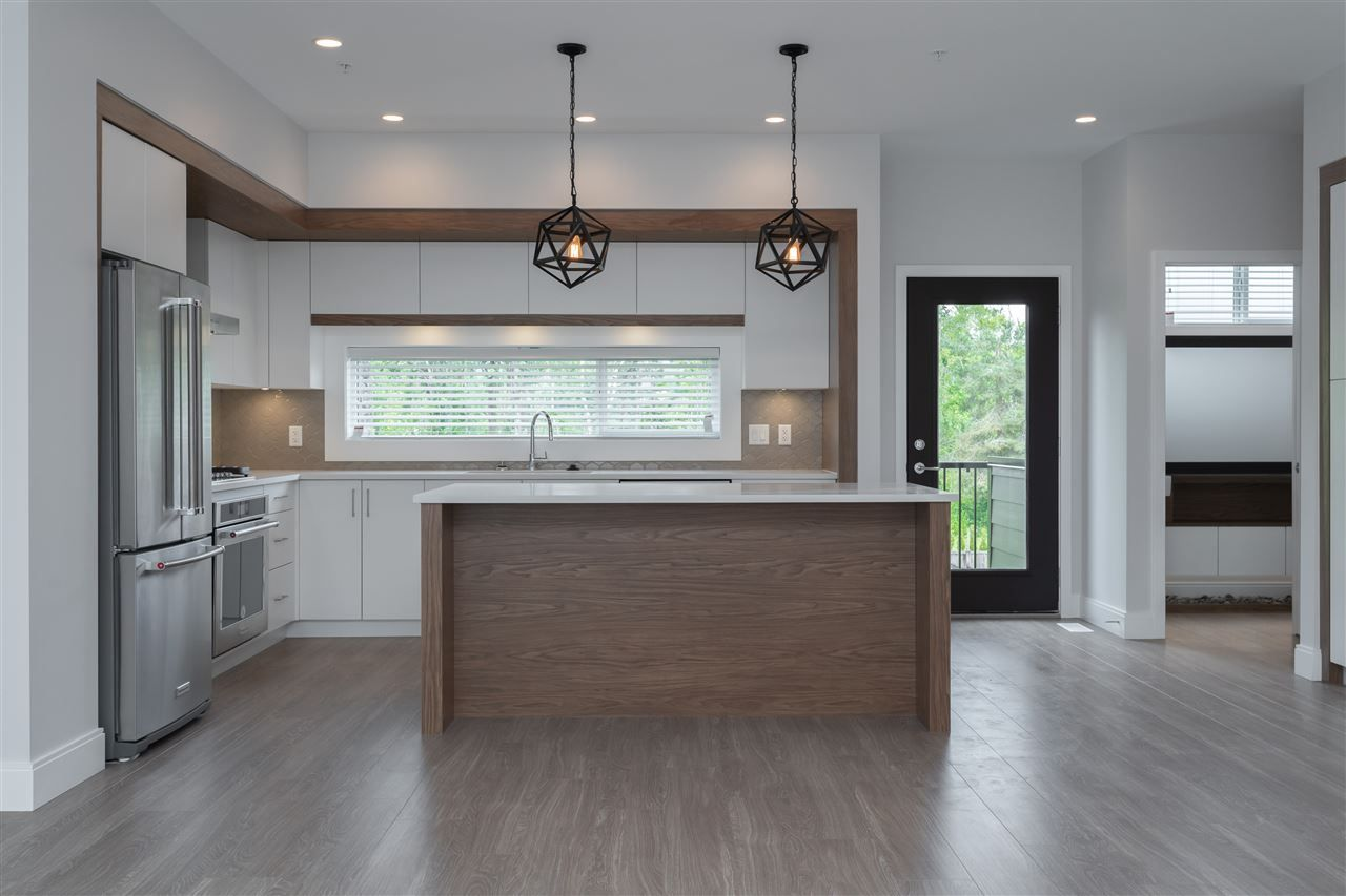 """Photo 3: Photos: 27 33209 CHERRY Avenue in Mission: Mission BC Townhouse for sale in """"58 on CHERRY HILL"""" : MLS®# R2396011"""