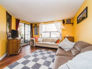 """Photo 3: 401 1350 COMOX Street in Vancouver: West End VW Condo for sale in """"Broughton Terrace"""" (Vancouver West)  : MLS®# R2258783"""