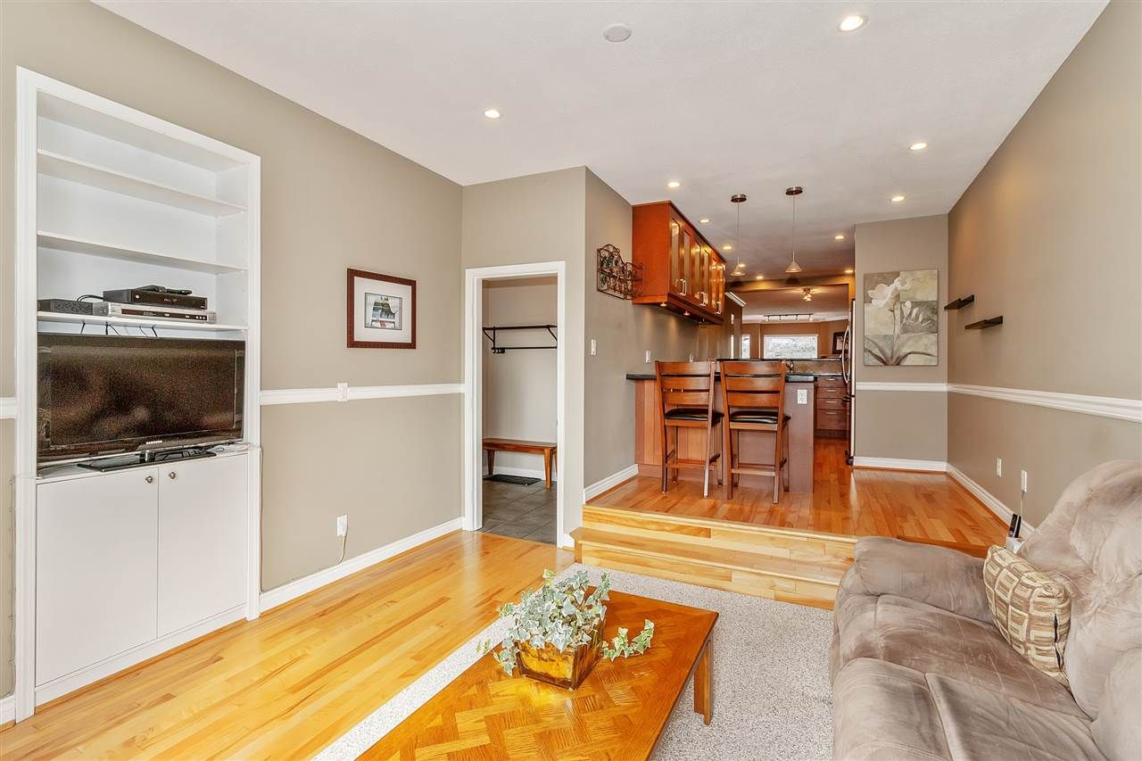 Photo 8: Photos: 337 E 5TH Street in North Vancouver: Lower Lonsdale 1/2 Duplex for sale : MLS®# R2544809