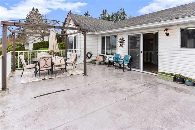 Main Photo: 33191 Best Avenue in Mission: Mission BC House for sale : MLS®# R2563932