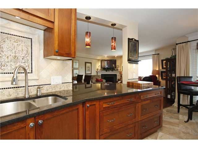 Main Photo: # 305 15150 29A AV in Surrey: King George Corridor Condo for sale (South Surrey White Rock)  : MLS®# F1410006