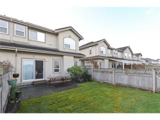 """Photo 10: 25 998 RIVERSIDE Drive in Port Coquitlam: Riverwood Townhouse for sale in """"PARKSIDE PLACE"""" : MLS®# V938950"""