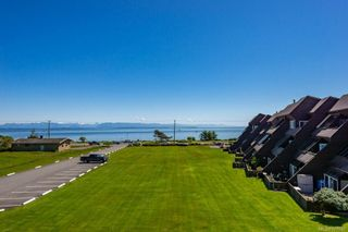 Photo 21: 303 2730 S Island Hwy in : CR Willow Point Condo for sale (Campbell River)  : MLS®# 877067