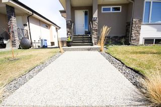 Photo 2: 646 Country Meadows Close: Turner Valley Detached for sale : MLS®# A1102004