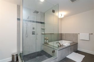 """Photo 25: 11 15563 MARINE Drive: White Rock Condo for sale in """"Oceanview Terrace"""" (South Surrey White Rock)  : MLS®# R2513794"""
