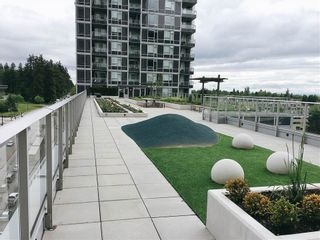 """Photo 10: 2308 5515 BOUNDARY Road in Vancouver: Collingwood VE Condo for sale in """"WALL CENTRE CENTRAL PARK"""" (Vancouver East)  : MLS®# R2173555"""