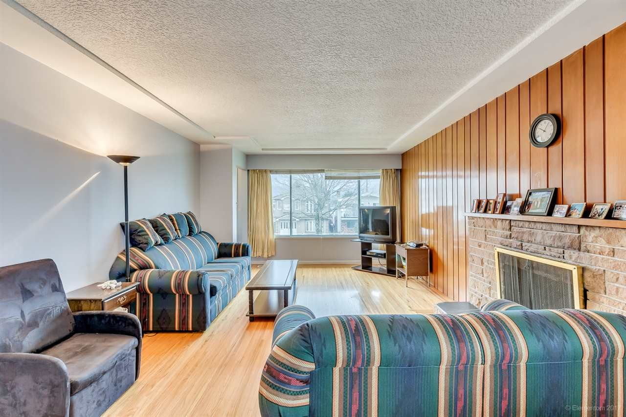 Photo 4: Photos: 2936 E 2ND Avenue in Vancouver: Renfrew VE House for sale (Vancouver East)  : MLS®# R2149102