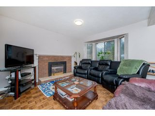 """Photo 3: 19960 68 Avenue in Langley: Willoughby Heights House for sale in """"Langley Meadows"""" : MLS®# R2225403"""