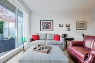 """Photo 2: 212 2128 W 40TH Avenue in Vancouver: Kerrisdale Condo for sale in """"Kerrisdale Gardens"""" (Vancouver West)  : MLS®# R2616322"""