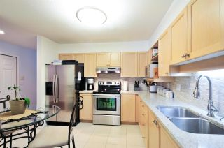 """Photo 4: 405 6735 STATION HILL Court in Burnaby: South Slope Condo for sale in """"THE COURTYARDS"""" (Burnaby South)  : MLS®# R2149958"""
