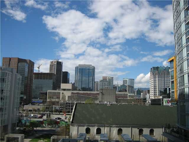 """Main Photo: 709 131 REGIMENT Square in Vancouver: Downtown VW Condo for sale in """"Spectrum 3"""" (Vancouver West)  : MLS®# V1059382"""