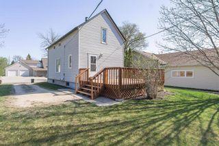 Photo 3: 144 OTTAWA Avenue in Morris: R17 Residential for sale : MLS®# 202112366