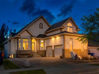 Photo 1: 23 DISCOVERY RIDGE Lane SW in Calgary: Discovery Ridge Detached for sale : MLS®# A1074713