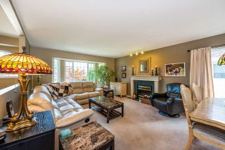 Photo 5: 19422 CUSICK Crescent in Pitt Meadows: Mid Meadows House for sale : MLS®# R2493734