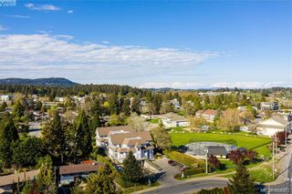 Photo 1: 102 1196 Sluggett Rd in BRENTWOOD BAY: CS Brentwood Bay Condo for sale (Central Saanich)  : MLS®# 838000